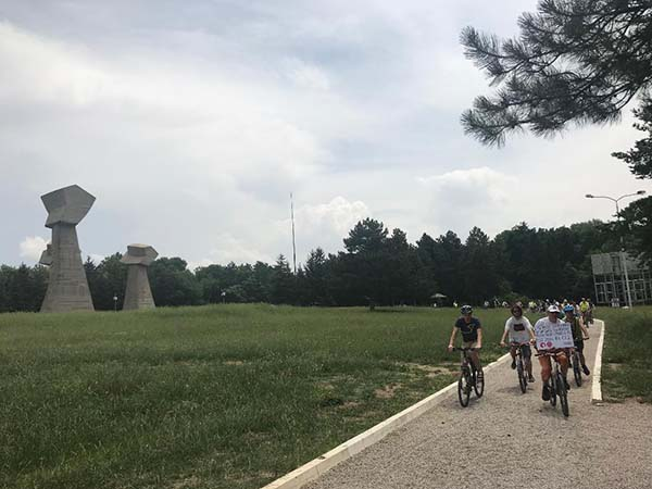 Biciklisti za aerodrom